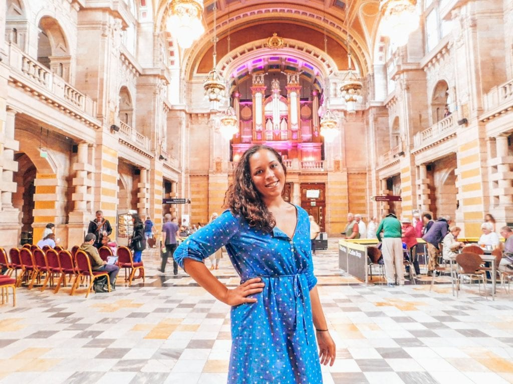 Sarah in Kelvingrove Art Gallery in front of Organ