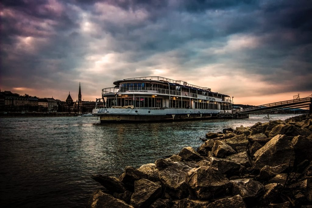 A river cruise of the Danube in the evening is the perfect way to see the UNESCO world heritage skyline of Budapest Hungary. #THINGSTODOBUDAPEST #Budapesttravel