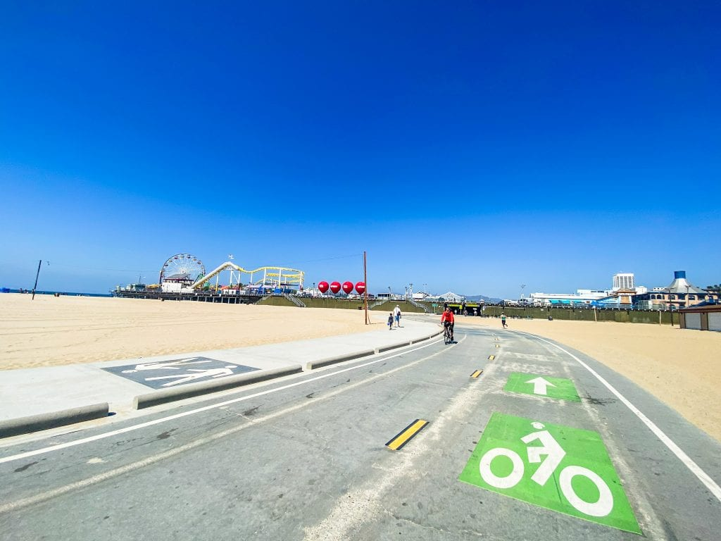 The Best Bike Trail and thing to do in Venice Beach California is to bike from Venice to Santa Monica.
