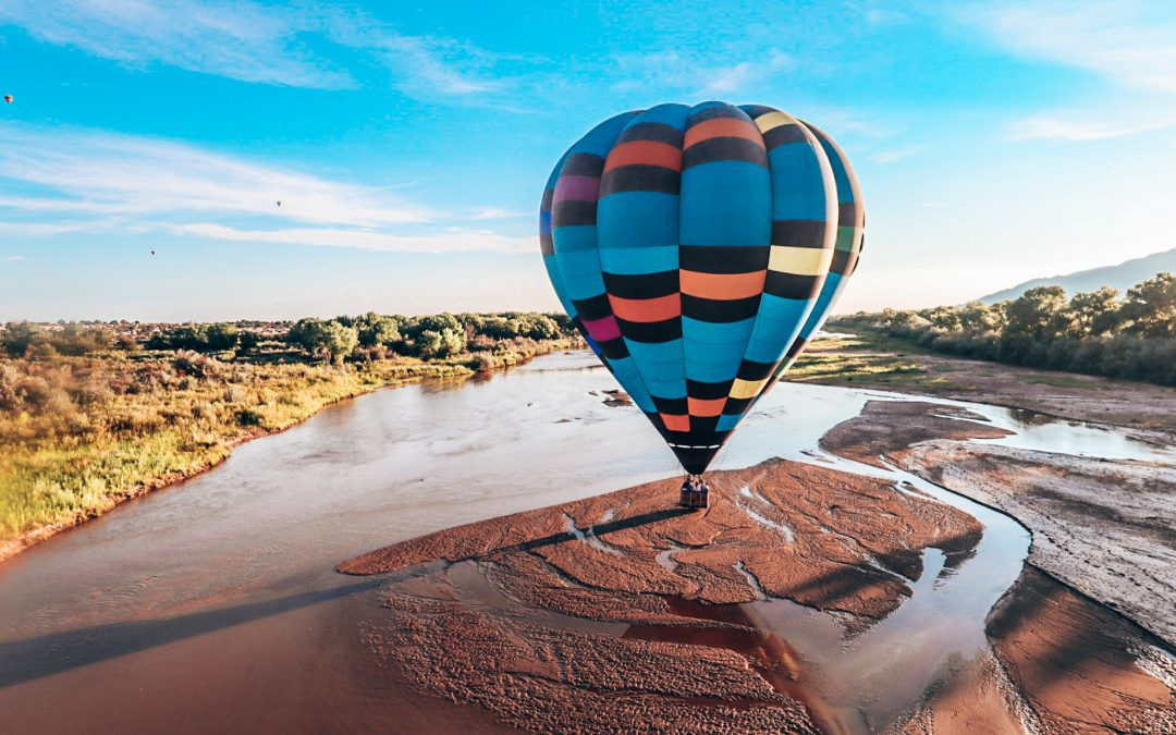 hot air balloon festival in Albuquerque is a once in a life time opportunity that you need to do when you visit Albuquerque